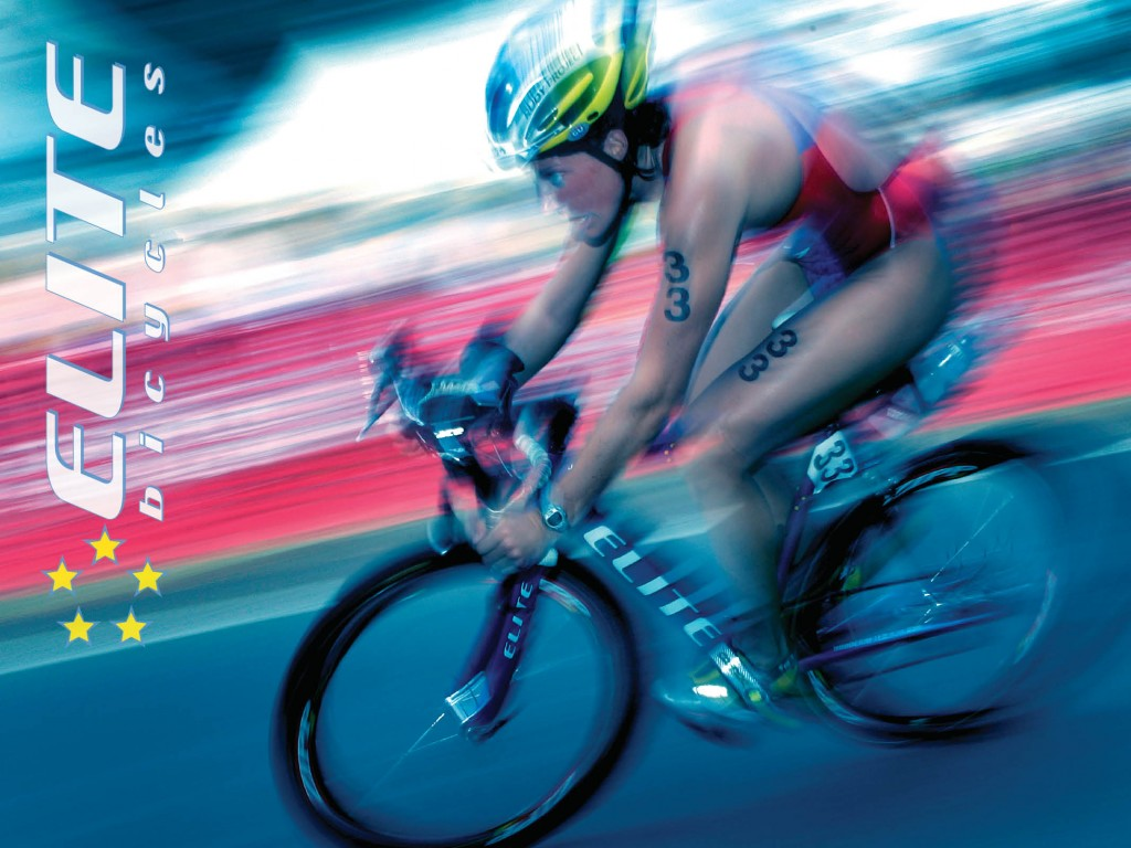 Linda Gallo Racing her Elite Bicycle off the front of ITU World Cup Triathlon