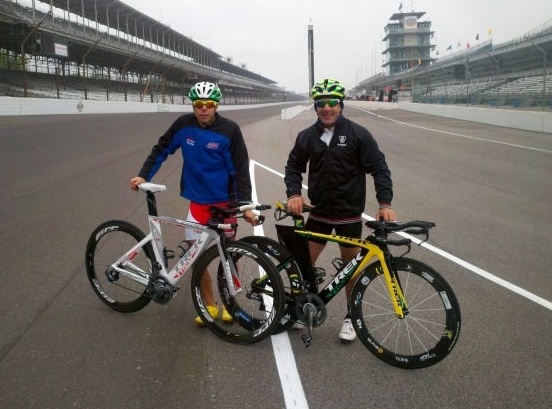 ISMers Tony Kanaan and Vitor Meira on the race track